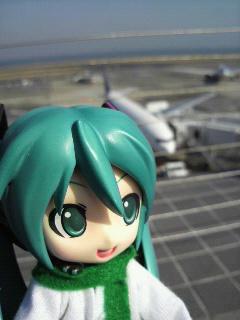 羽田で飛行機。