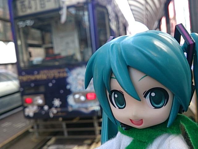 魔法の雪ミクさん電車。