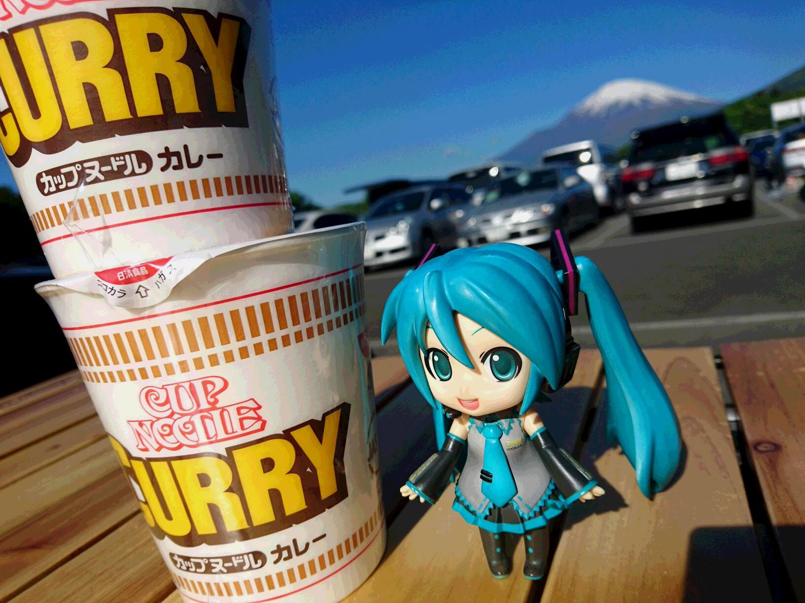 富士スピードウェイとカレー麺。